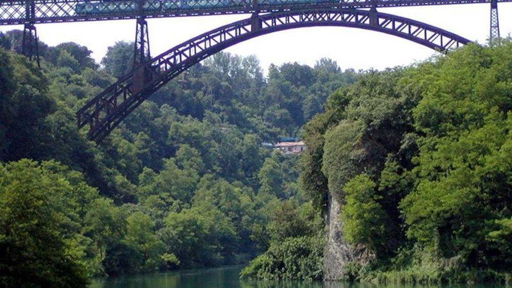 Paderno mercoled tragico due suicidi dal ponte san michele for Disegni di ponte a 2 livelli