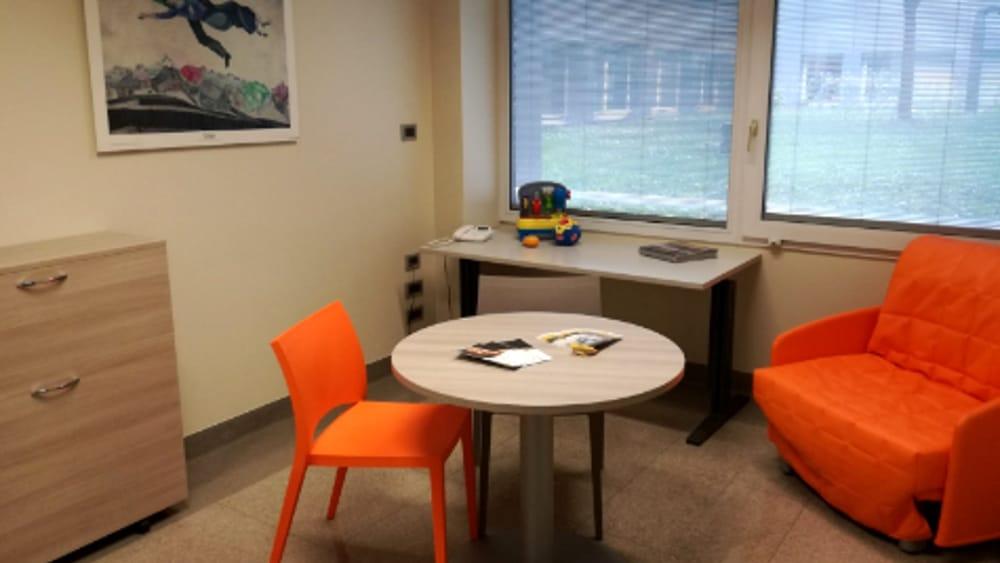 Una stanza per le vittime di violenza nelle sedi dei for Semplici piani di una stanza