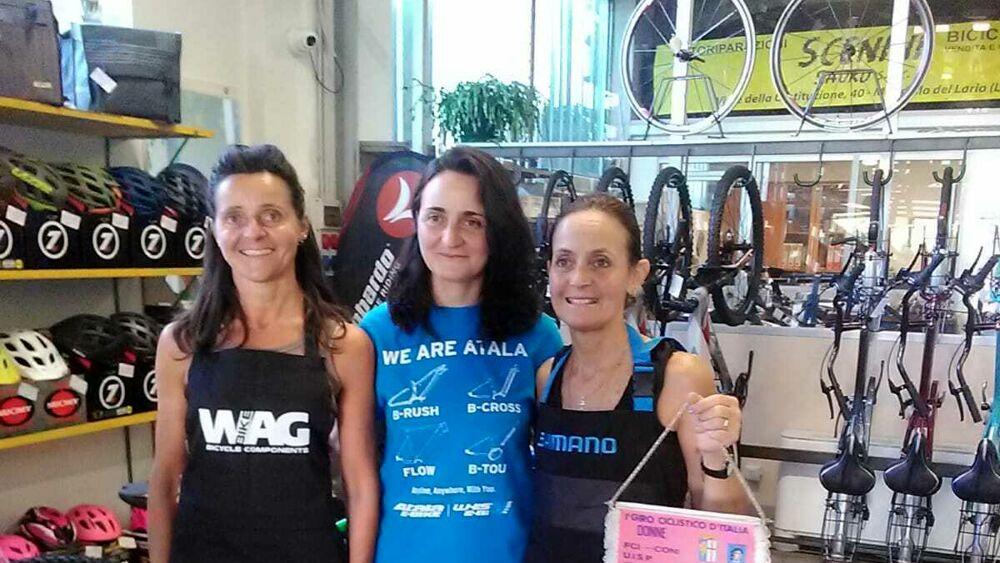 La storia delle tre sorelle unite da una trentennale passione per la bicicletta